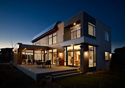 Terrace-Evening-Lighting-Contemporary-Home-in-Edmonton-Canada